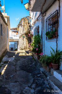 A narrow street in Pampaneira. Many are very steep due the the village's location on the side of the Poqueira valley.