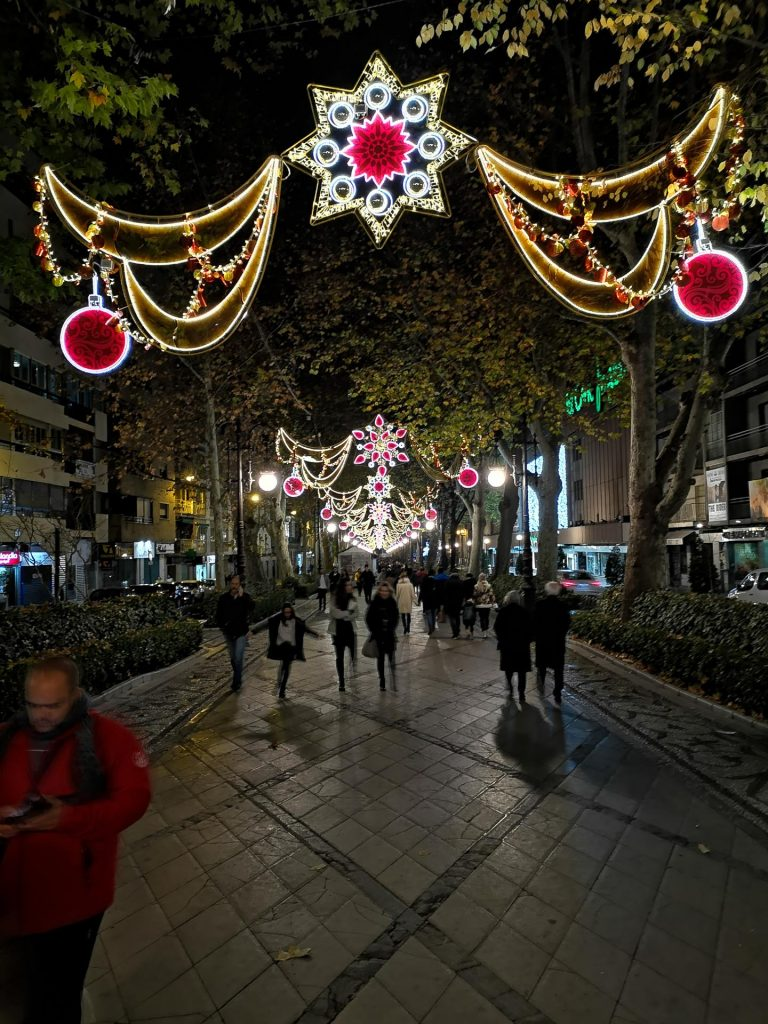 Christmas lights in Granada, Plaza de Bibataubin