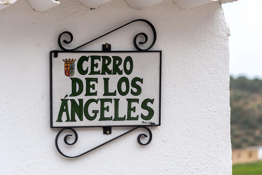 Street sign - Cerro-de-los-Angeles