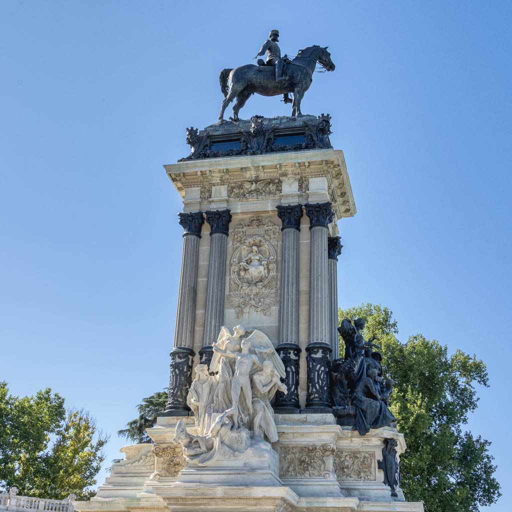 El Retiro, Madrid. The King Alfonso XII monument.