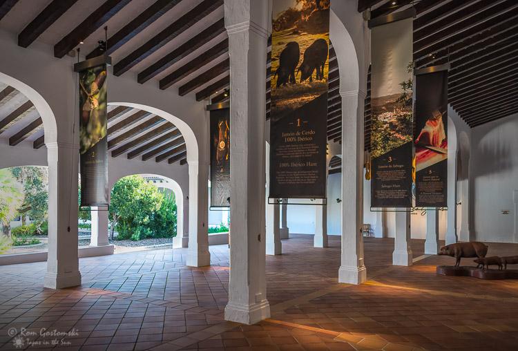 Cinco Jotas - The restored outbuildings