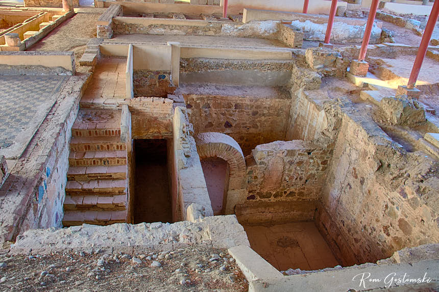 Mithraeum House (Casa del Mitreo) - the remains of underground rooms.