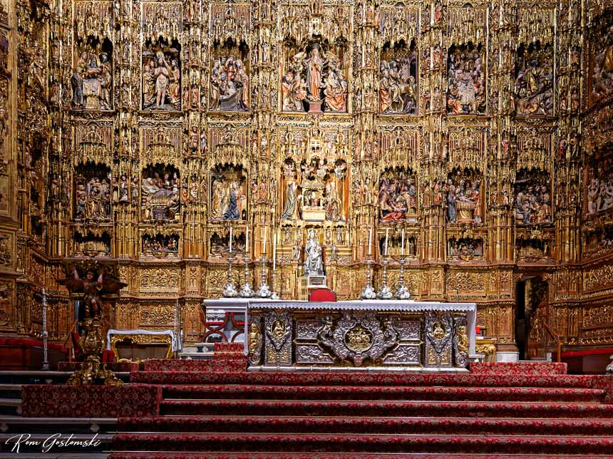 The main altar in Sevilla Cathedral