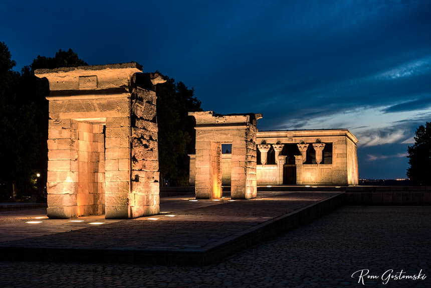 Templo de Debod lit up at night. Unfortunately, the water had been drained for maintenance.