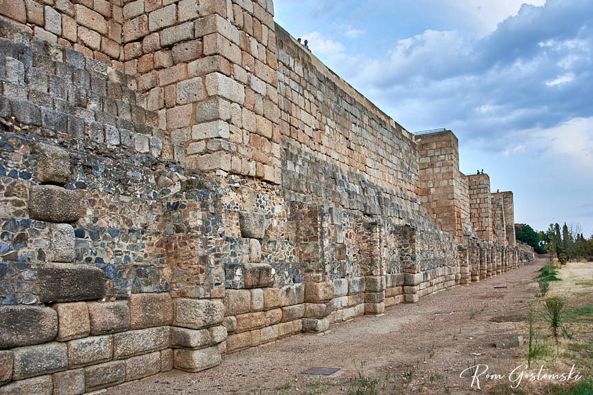 The walls around the Alcazaba, along the river bank