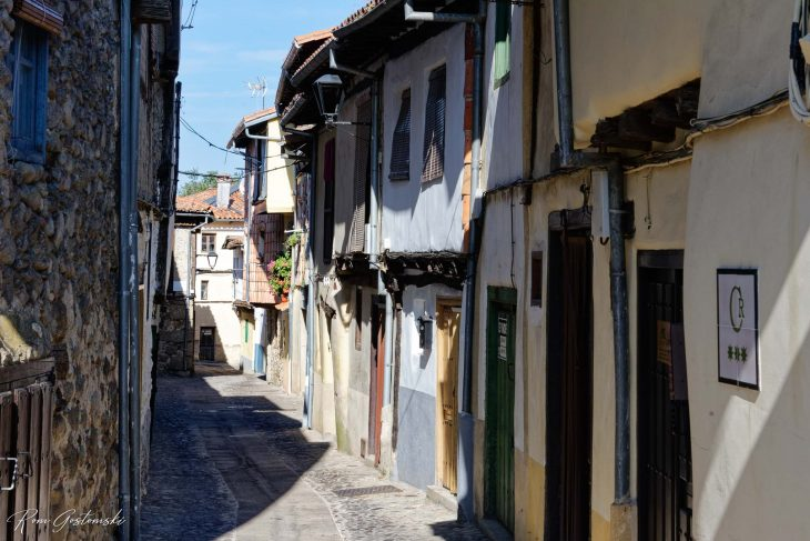 Typical cobbled street in the Hervás Jewish Quarter. Interestingly, each house is different